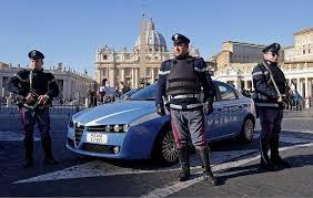 Photo of Flash – Roma – Allarme a San Pietro. Un instabile mentale in macchina, contromano, ha sfondato le transenne. Fermato