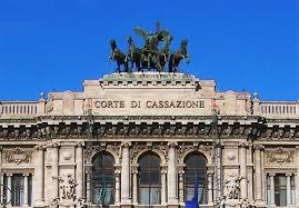 Photo of Cassazione: Masturbazione in pubblico? Solo multa. Con il decreto Renzi, non è più reato