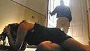 Photo of Rimini – 17enne ubriaca, viene violentata da un albanese. Le amiche riprendono la scena. Perchè non vengono incriminate?