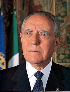 Photo of Il Presidente Emerito della Repubblica Carlo Azeglio Ciampi è morto. Aveva 96 anni