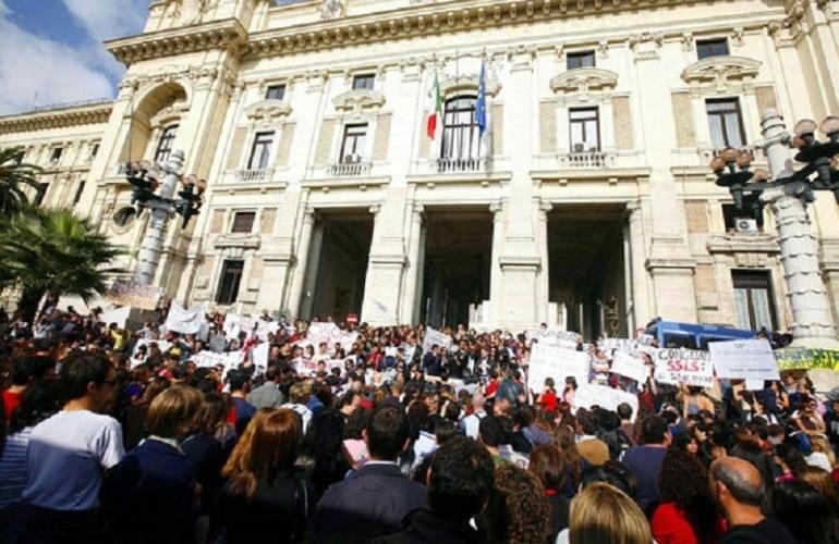 Photo of Inizio scuola, inizio proteste. Studenti in piazza il 7 ottobre