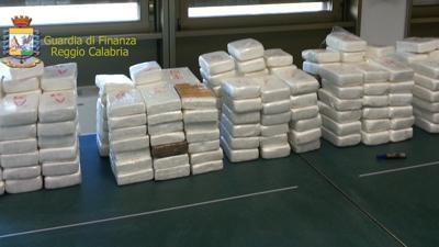 """Photo of Gioia Tauro – Operazione """"Rio"""": arrestate nove 9 persone e sequestrati 385 kg di cocaina"""