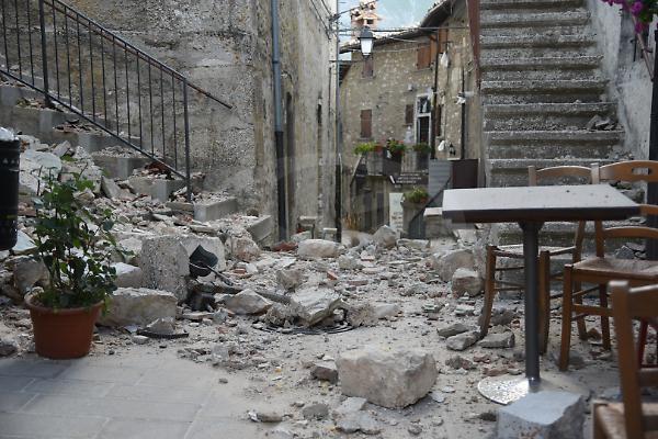 Photo of Flash – Aggiornamento terremoto delle 7,51 – Norcia sarebbe stata rasa al suolo