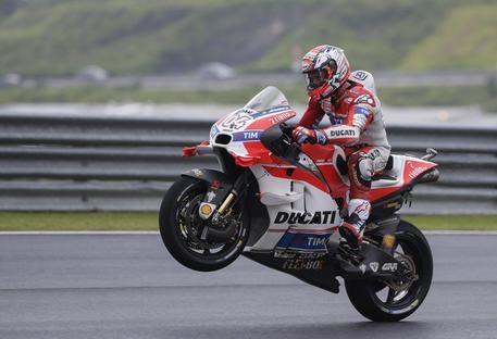 Photo of MotoGp Malesia: Vince Andrea Dovizioso. Rossi secondo. Marquez cade ancora