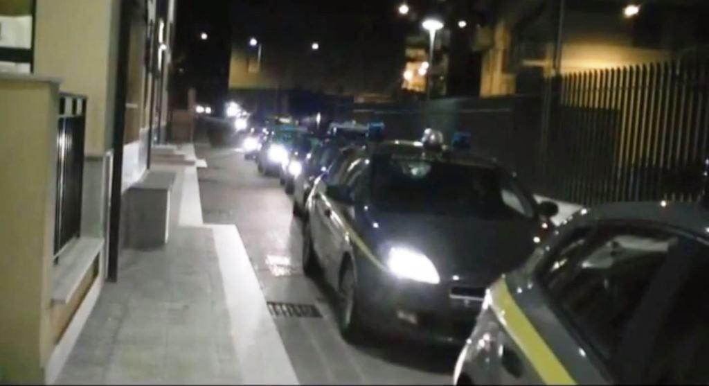 Photo of Flash – Roma: sgominata organizzazione di narcotrafficanti. 14 arresti tra i quali un avvocato romano