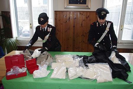 Photo of Scoperto  nuova tecnica per  occultare cocaina. Sequestrati 4 chilogrammi. Una peruviana arrestata – VIDEO