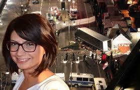 Photo of Fabrizia Di Lorenzo, giovane cittadina italiana per lavoro all'estero. Poesia