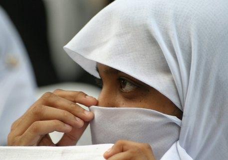 Photo of Udine – Giovane studentessa picchiata dalla madre. Non portava il velo a scuola