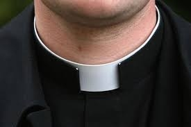 Photo of Parroco organizzava orge in canonica. Nove le donne coinvolte