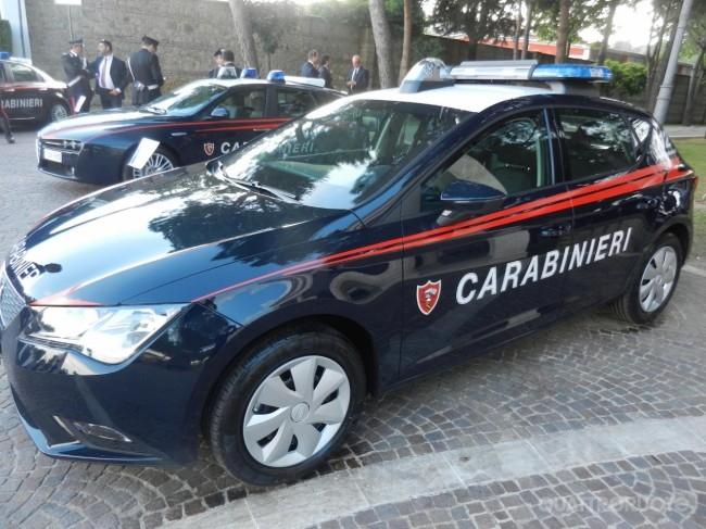 Photo of Litiga col marito, lo accoltella e minaccia i Carabinieri. Arrestata