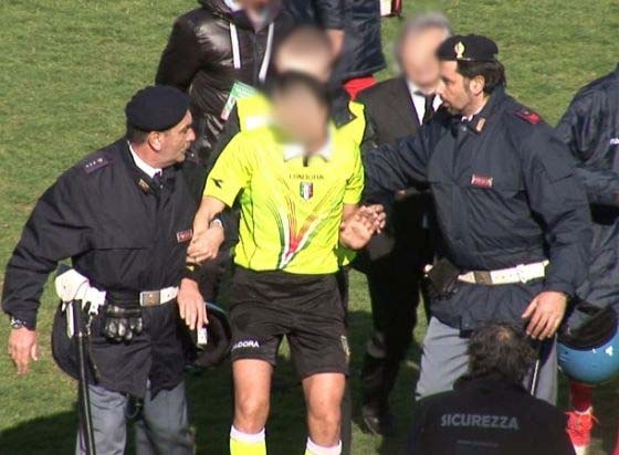 Photo of Arbitri, basta  isterie – Si impari dal Rugby