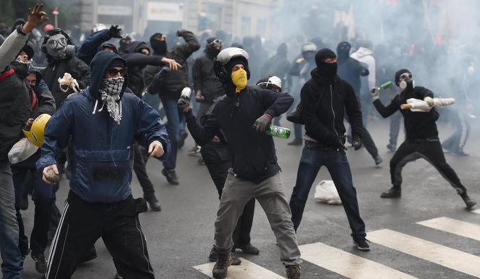 Milano manifestazione 01 05 2015
