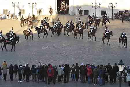Photo of Domani Piazza del Quirinale in festa per l'esibizione dei Corazzieri e Fanfara dei Carabinieri a cavallo