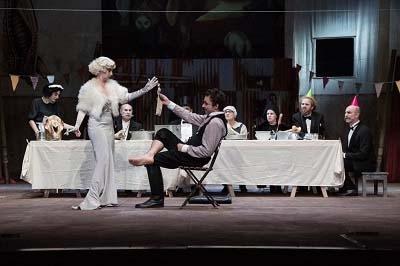 Photo of Teatro Quirino – 'Mr Puntila e il suo servo Matti' di Bertold Brecht con la compagnia dell'Elfo.