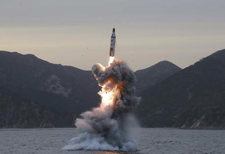 Photo of Corea del Nord sfida l'Onu: lanciato nuovo missile nel Mar del Giappone