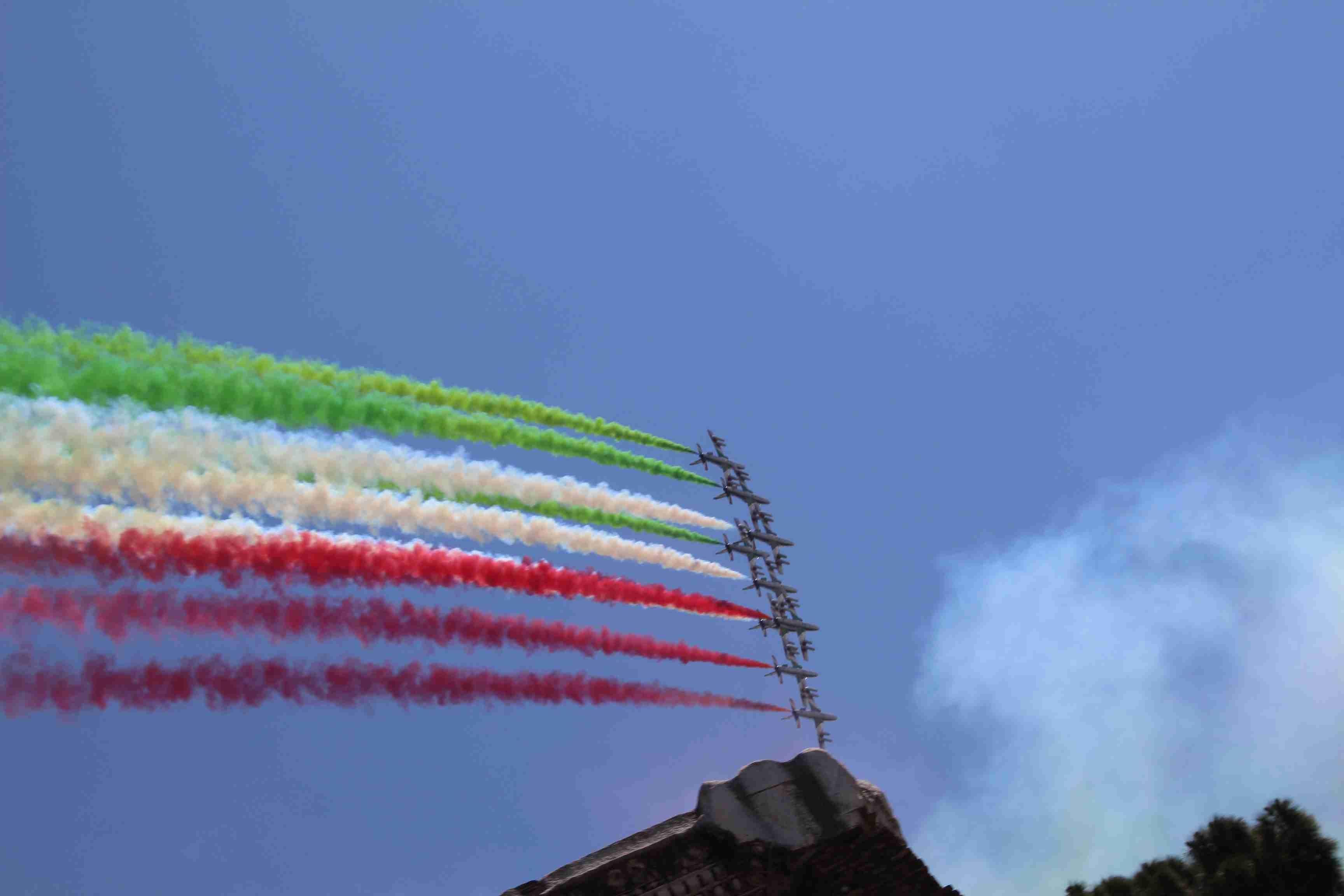 Photo of Festa della Repubblica 2017.  Nemmeno Bocelli è riuscito a far cantare la terza carica dello Stato – AMPISSIMA DOCUMENTAZIONE FOTOGRAFICA