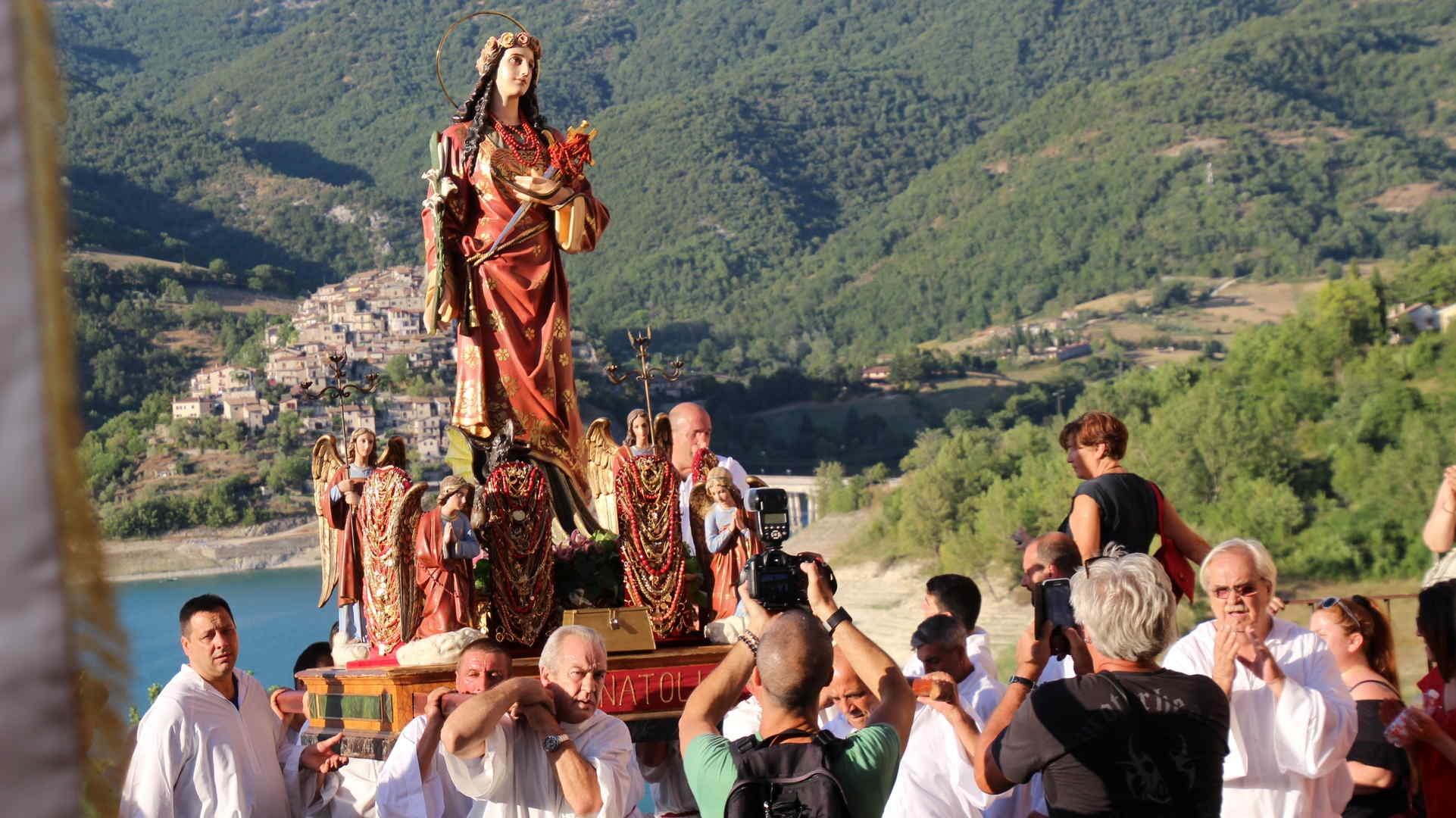 Photo of Una gita a…. Festa di S. Anatolia a Castel di Tora, uno dei 100 borghi più belli d'Italia