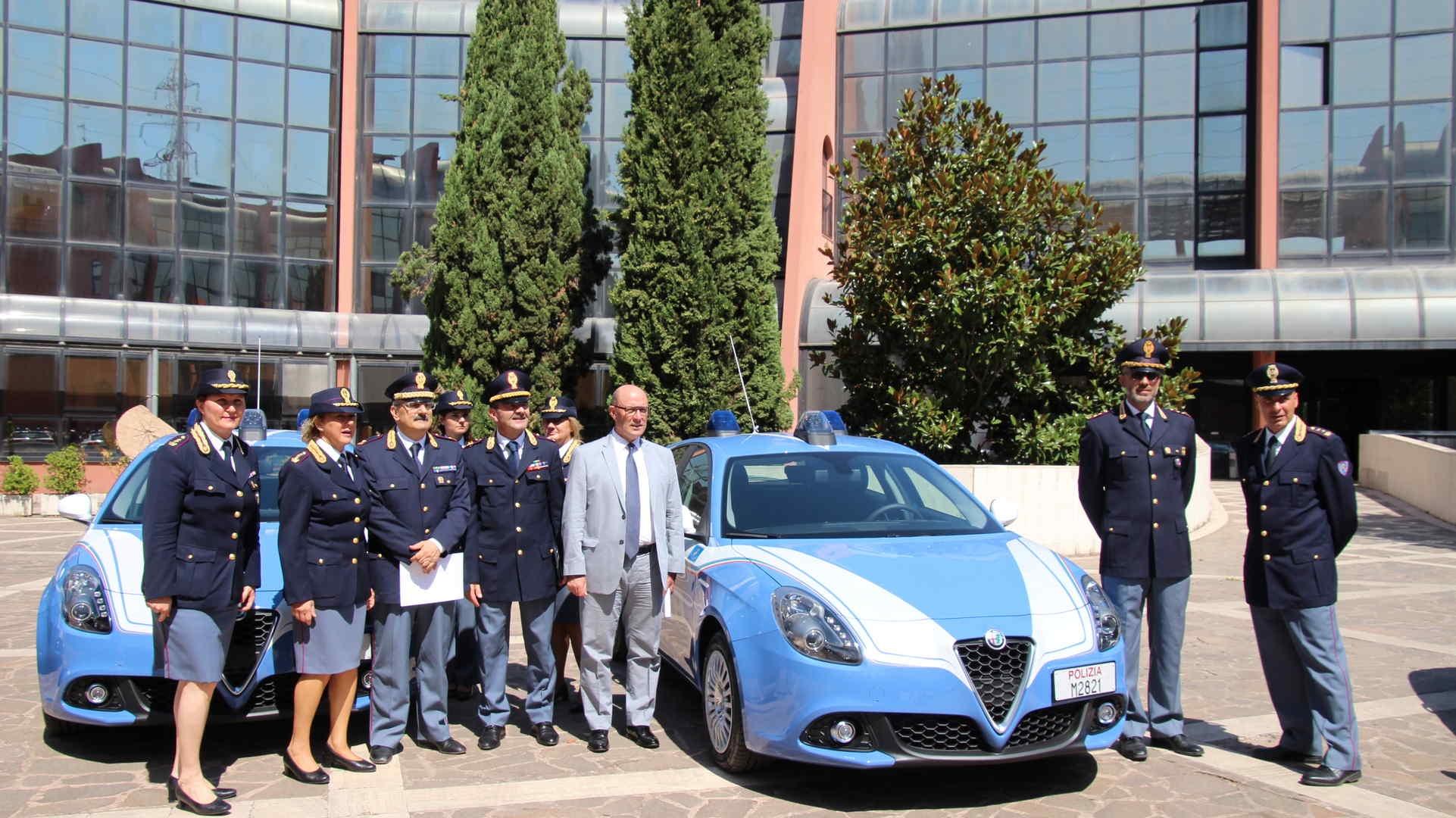 Photo of Le nuove Alfa Romeo assegnate alla Polizia Stradale – AMPIA GALLERIA FOTOGRAFICA
