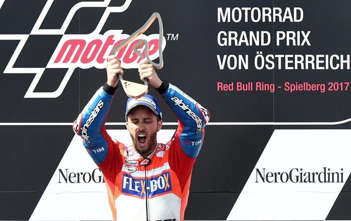 Photo of Motogp Austria  2017 – Vince Dovizioso su Ducati. Seguono Marquez e Pedrosa. Valentino solo settimo