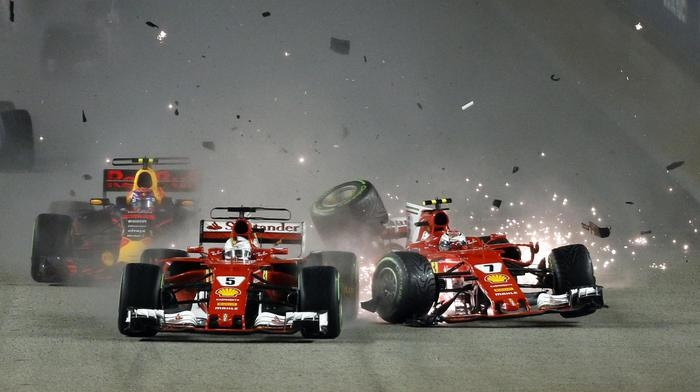 Photo of GPF1 Singapore 2017: Incidente alla partenza e le Ferrari fuori. Sul podio Lewis Hamilton (Mercedes),  Daniel Ricciardo (Red Bull) e Valtteri Bottas (Mercedes)