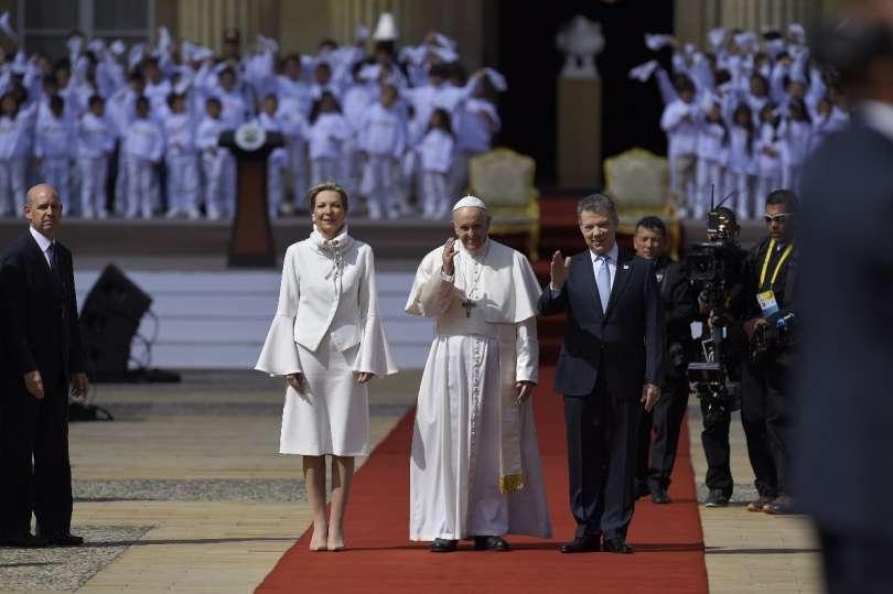 Photo of Papa Francesco in Colombia: Cristo è sole di giustizia