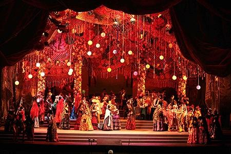 Photo of Teatro Opera di Roma – La Traviata di Zeffirelli festeggia i 160 anni del Colón di Buenos Aires