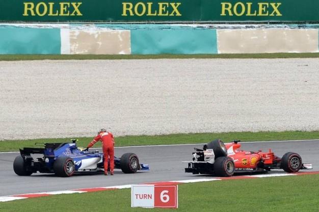 Photo of GPF1 Malesia: Vince Max Verstappen davanti a  Hamilton e Ricciardo. Ferrari  'Pantera Rosa' salvata da Vettel
