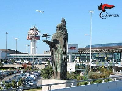 """Photo of Aeroporto """"Leonardo Da Vinci"""". Arrestati tre funzionari. Autorizzavano ingiustamente rimborso Iva a cittadini extracomunitari. Indagini su altri 24"""
