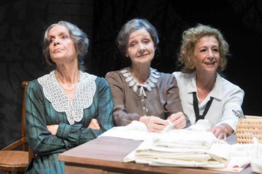 Photo of Teatro Quirino – Sorelle Materassi con Lucia Poli e Milena Vukotic