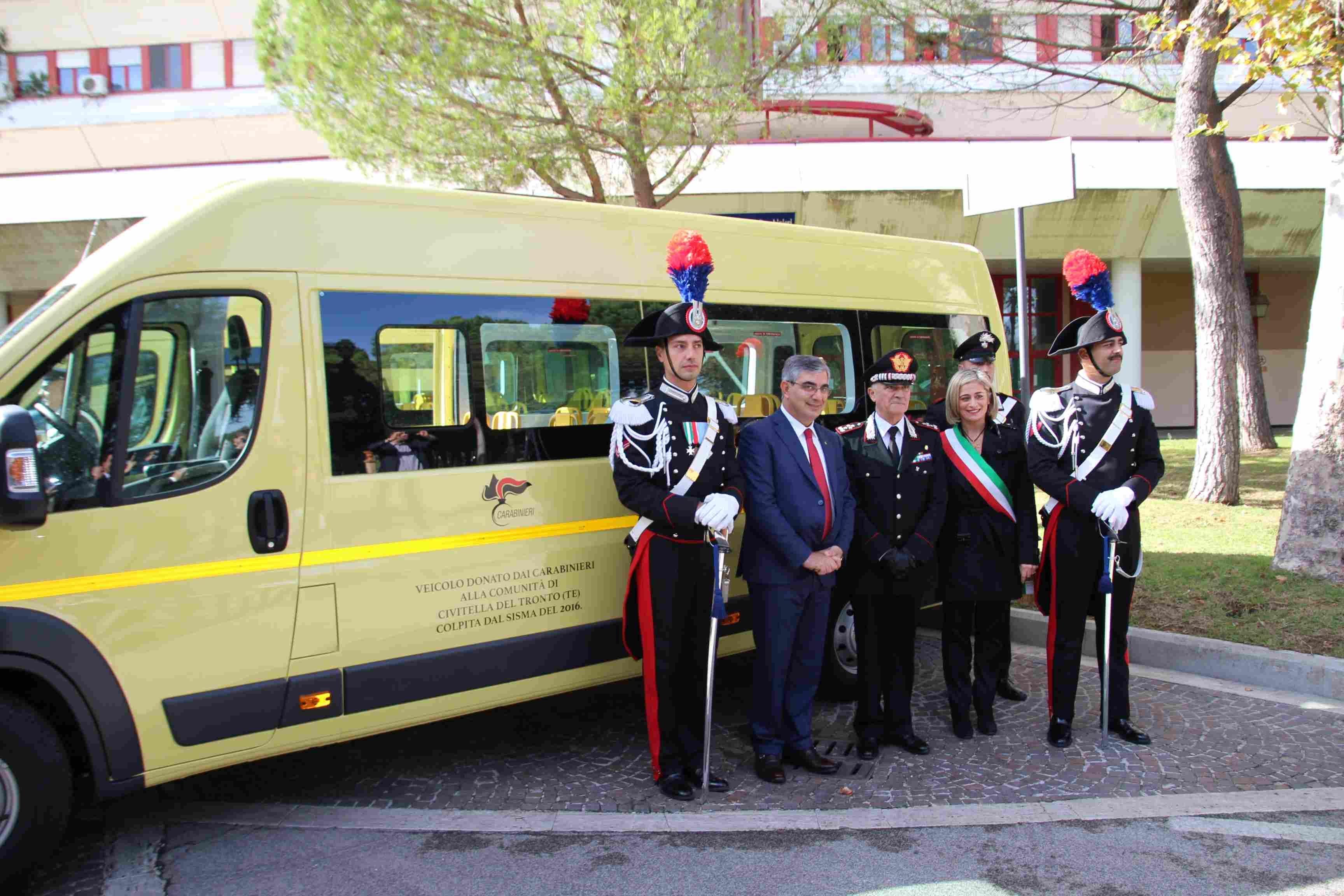 Photo of Consegnati 4 scuolabus a quattro  Comuni terremotati del Centro Italia