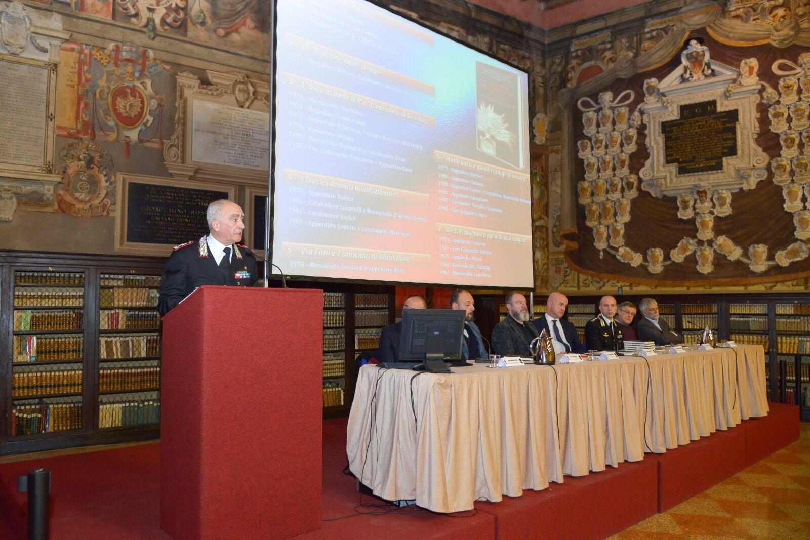 """Photo of Presentato il  libro """"CARABINIERI PER LA DEMOCRAZIA"""". Ricordata """"Strage del Pilastro"""""""
