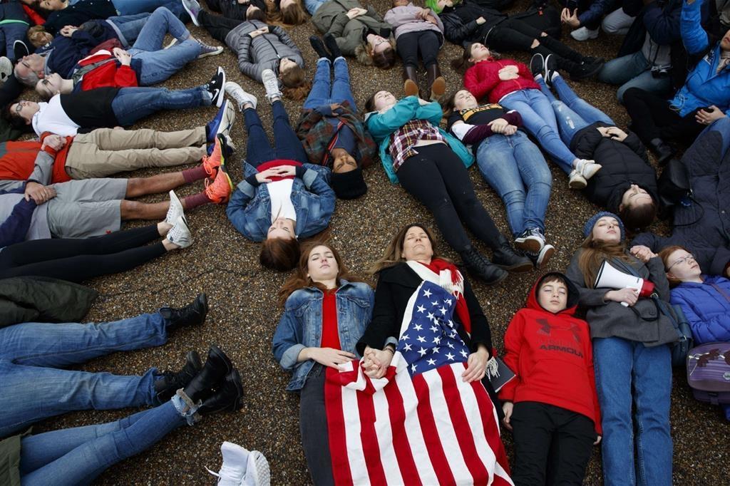 Photo of La marcia per la vita si sussegue a catena in America