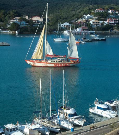 Photo of La Procura sequestra la nave-taxi ong spagnola Proactiva