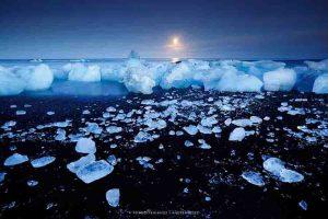 (foto: Andrea Pozzi - Diamond beach - Islanda)