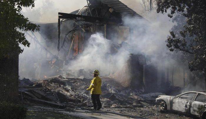 (foto-ansa-EPA/MIKE NELSON) California-incendio-2018