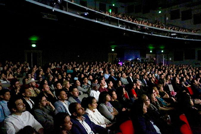 Hola Mexico - 03-Opening Screening of Las niñas bien