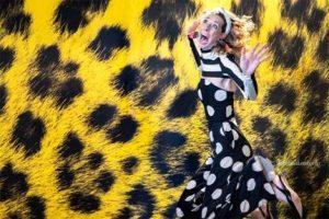 Sabina Lombardo vince per la terza volta lo Scatto del Pardo Fotografa dallo scatto particolarmente sensibile all'attimo magico.