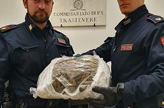 Photo of Sequestrati 2 Kg di marijuana nell'area della movida capitolina. Arrestato nigeriano