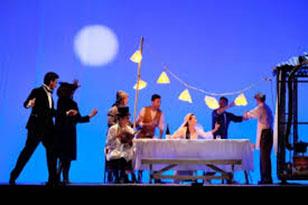 """Photo of Teatro Quirino – """"L'anima buona di Sezuan"""" di Bertold Brecht con Monica Guerritori"""