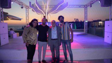 """Photo of Ferragosto festeggiato allo """"Shilling Club Beach"""" di Ostia, con Gianfranco Butinar e l'ospite Daniele Si Nasce"""