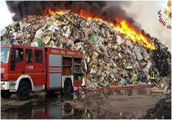 vv.ff. incendio discarica