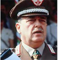 Photo of Il Generale Carlo Alberto Dalla Chiesa ispezionò il Carcere Militare di Gaeta, con ricordi personali
