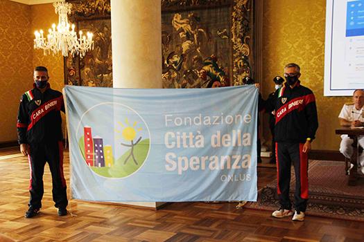 2 - Bandiera-citta-della-speranza